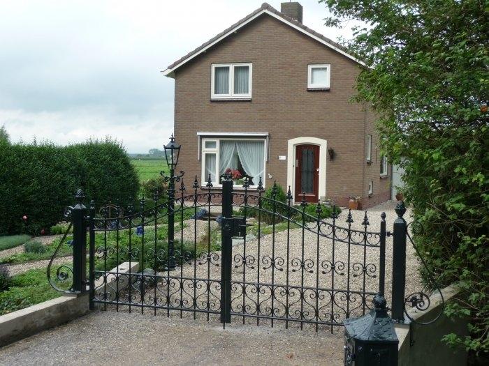 Stalen poort in de buurt van bruchem voor de ingang van uw woning en tuin - Moderne tuin ingang ...